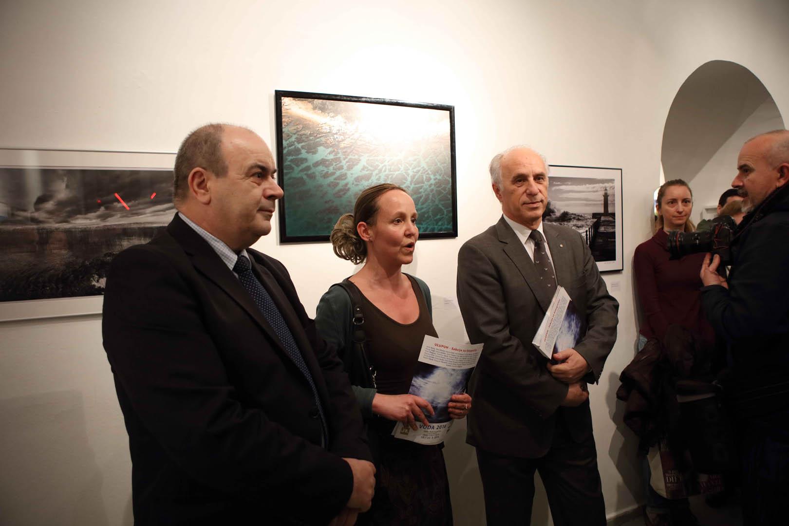 A. Palarić, L. Bošnjak Velagić, L. Mjeda foto Goran Vranić © Moderna galerija Zagreb 2016